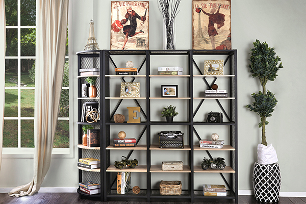 Designer's Corner: Accessorizing Shelves